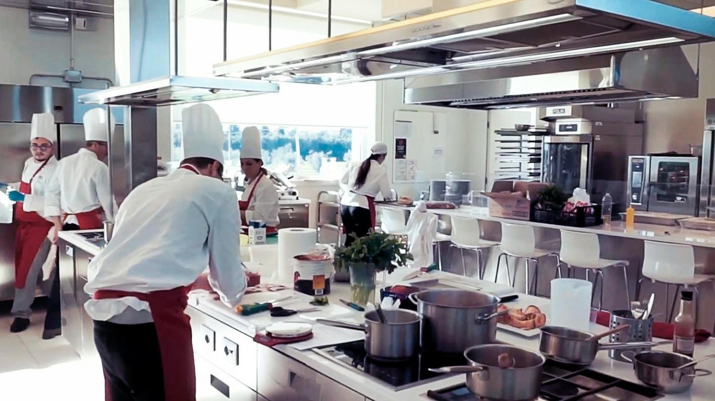 Scuola di cucina per appassionati e professionisti red academy