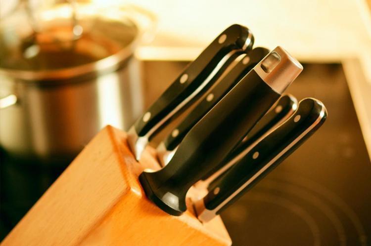 ceppo legno coltelli