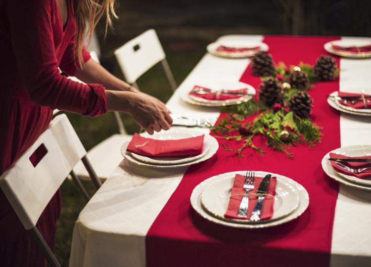 tavola natalizia rossa