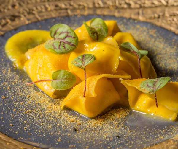 Fagottello liquido al cacio marcetto e kumquat d.one restaurant